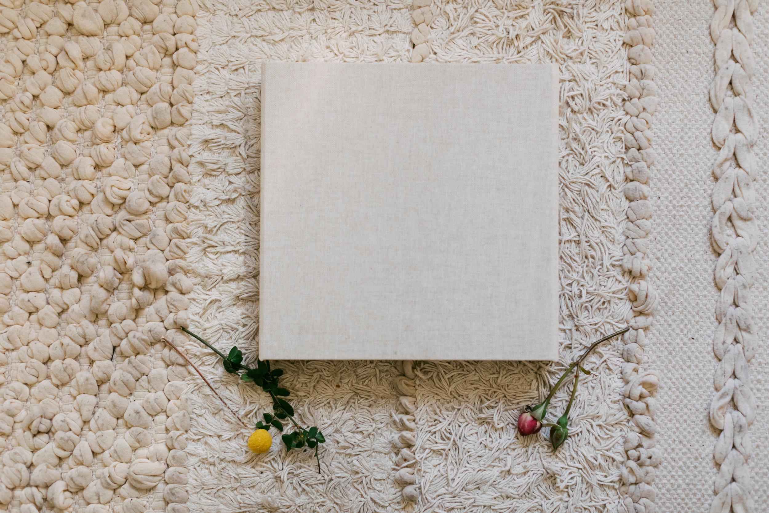 """Cream 8x8"""" Linen Album"""