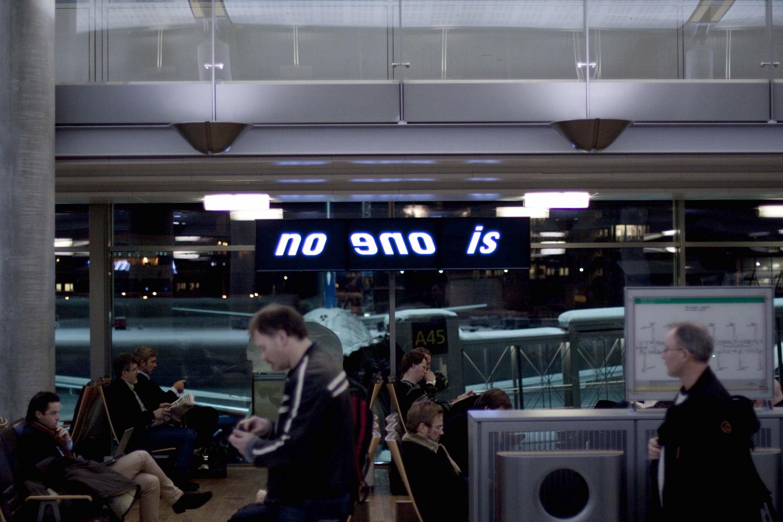 Pay Attention Motherfuckers-Oslo Lufthavn 9745.jpg