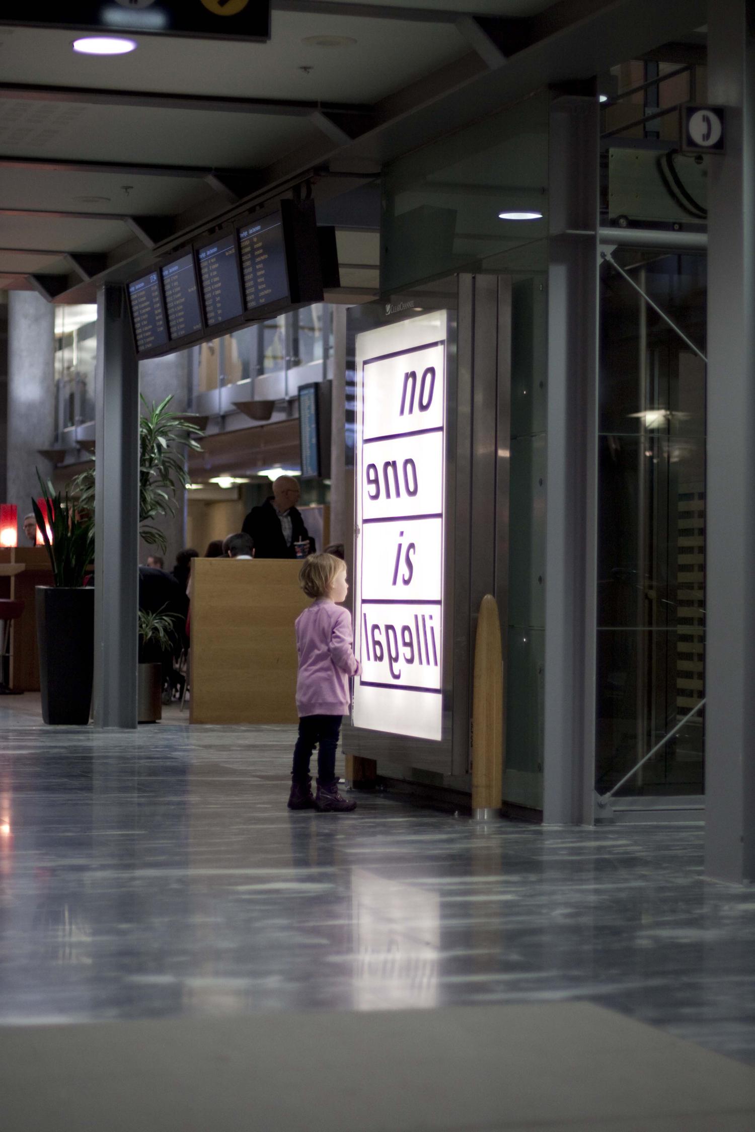 Pay Attention Motherfuckers-Oslo Lufthavn 9724.jpg
