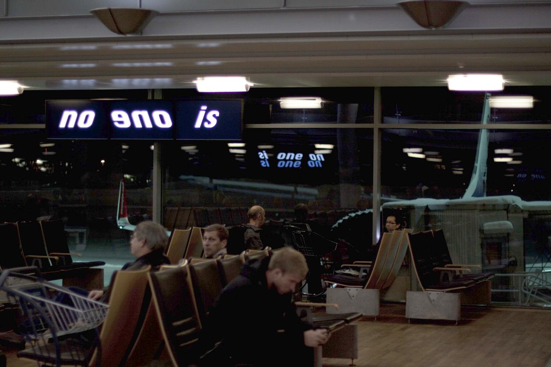 Pay Attention Motherfuckers-Oslo Lufthavn 9935.jpg