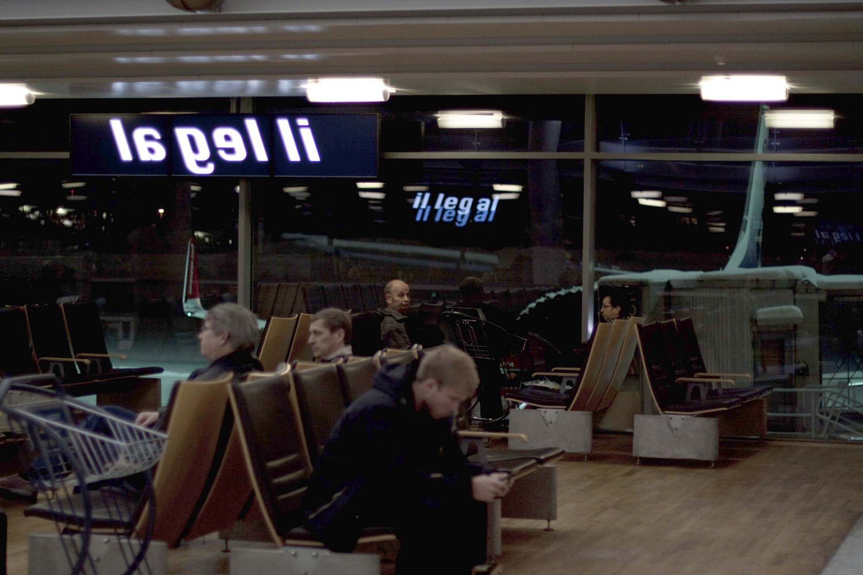 Pay Attention Motherfuckers-Oslo Lufthavn 9936.jpg