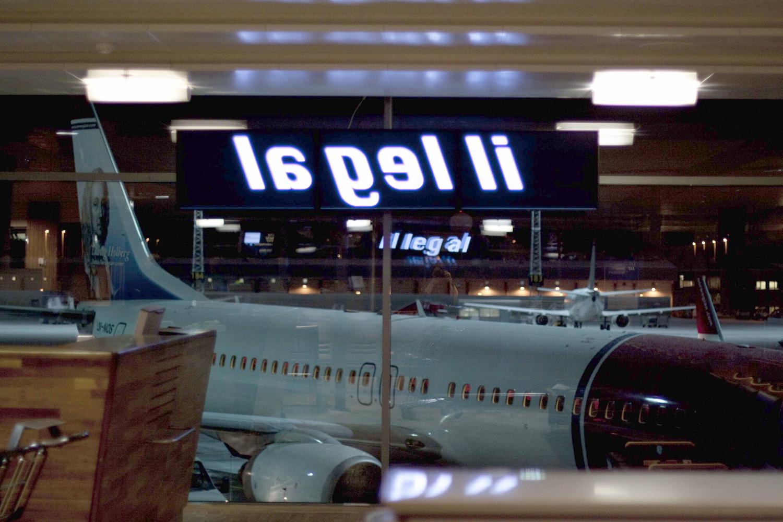 Pay Attention Motherfuckers-Oslo Lufthavn.jpg