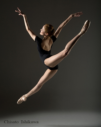 Beautiful hip and back extension with pointed toes.