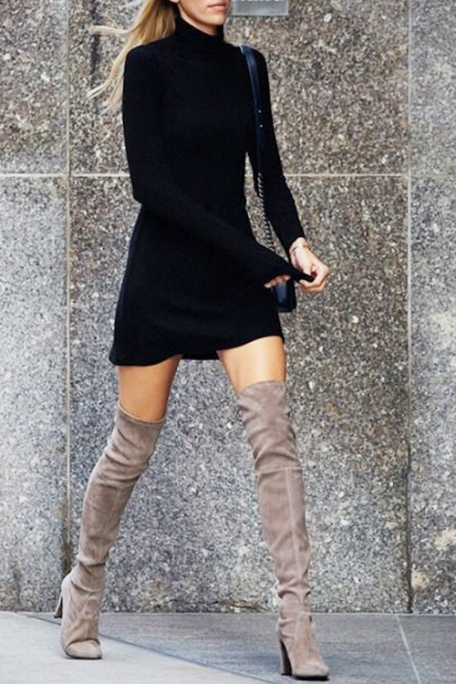 How to wear a sweater dress and suede over the knee boots for Fall. SHOP SIMILAR ITEMS:    DRESS  |  BOOTS  |  BAG     source:   www.tumblr.com