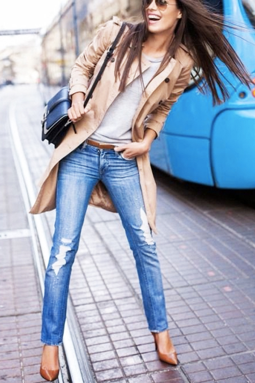 How to make distressed skinny jeans look chic.