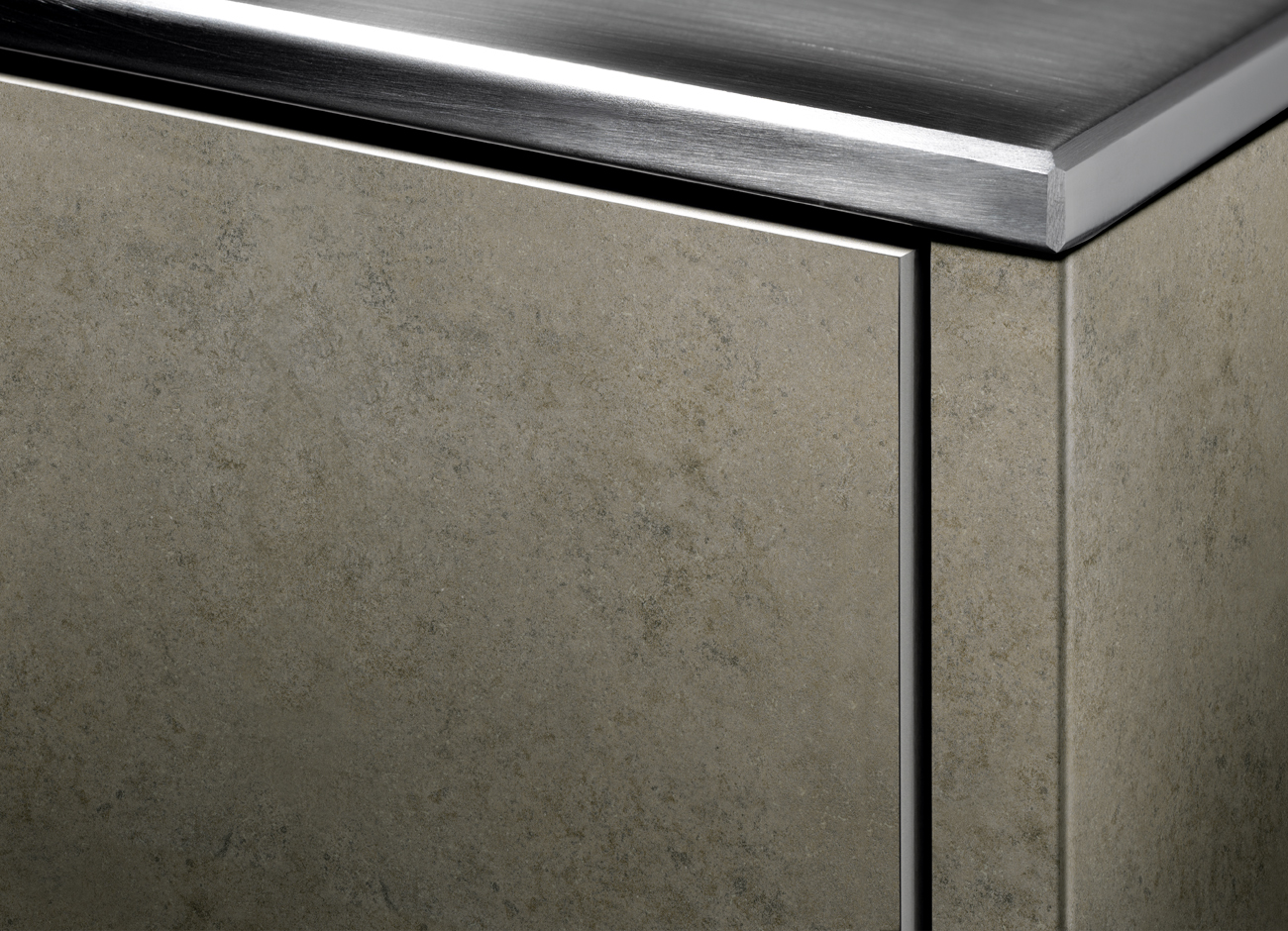 Synthetic and Lacquered Doors