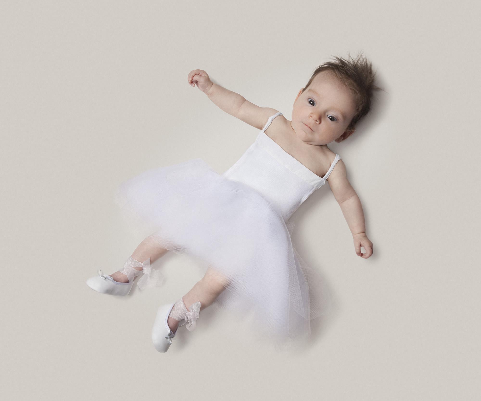 june danseuse.jpg