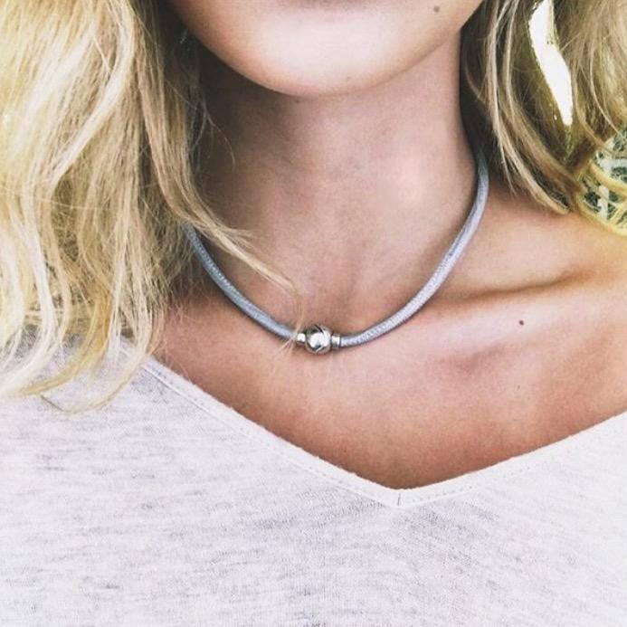 Andara Necklace Dos Mole .jpg