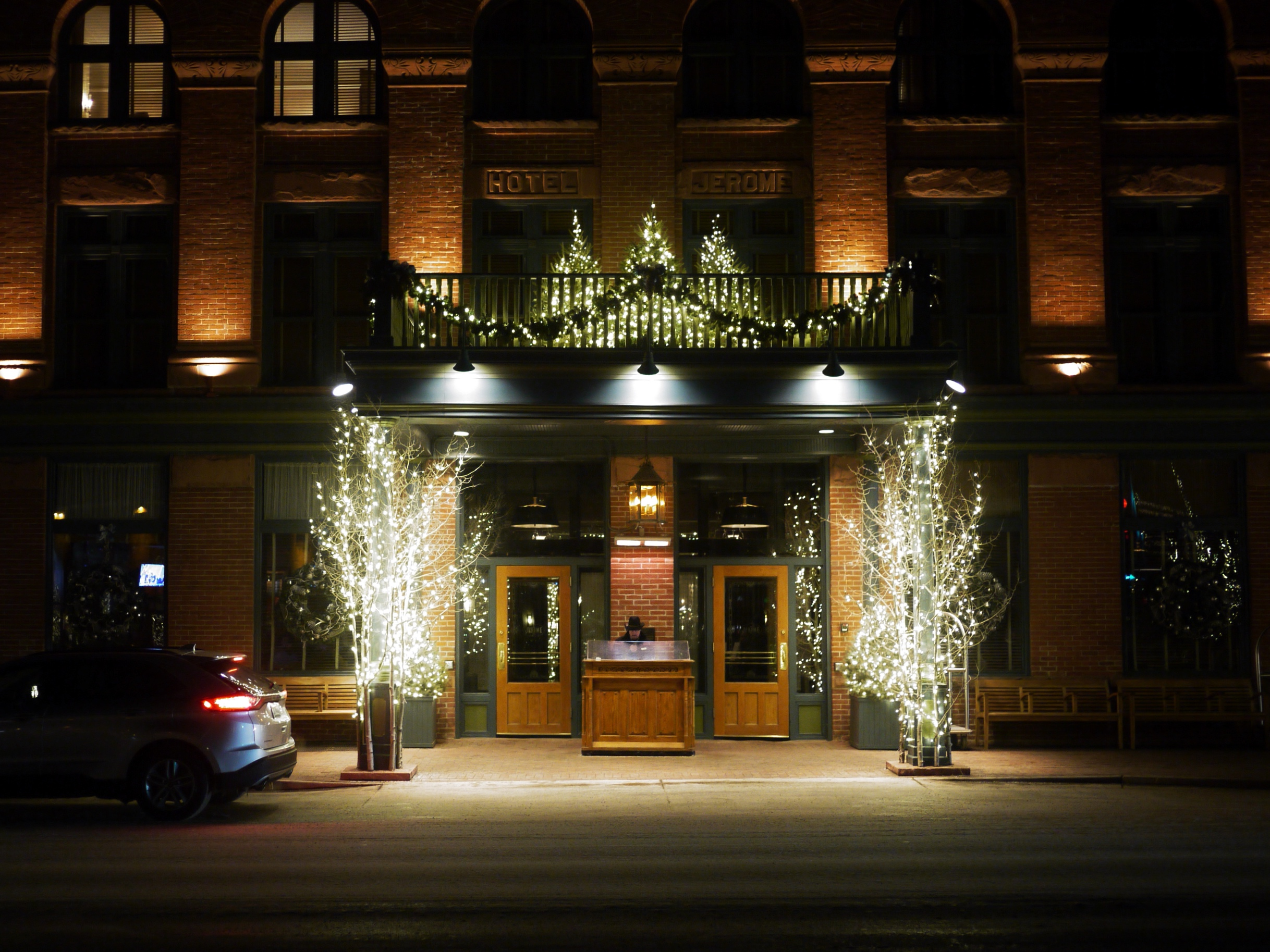 Hotel Jerome Aspen Holiday Lights