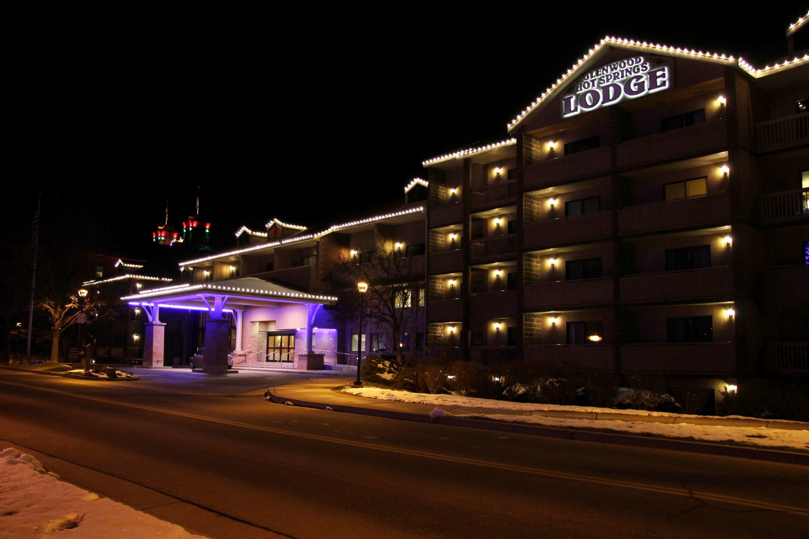 Glenwood Hot Springs Resort Winter Lighting