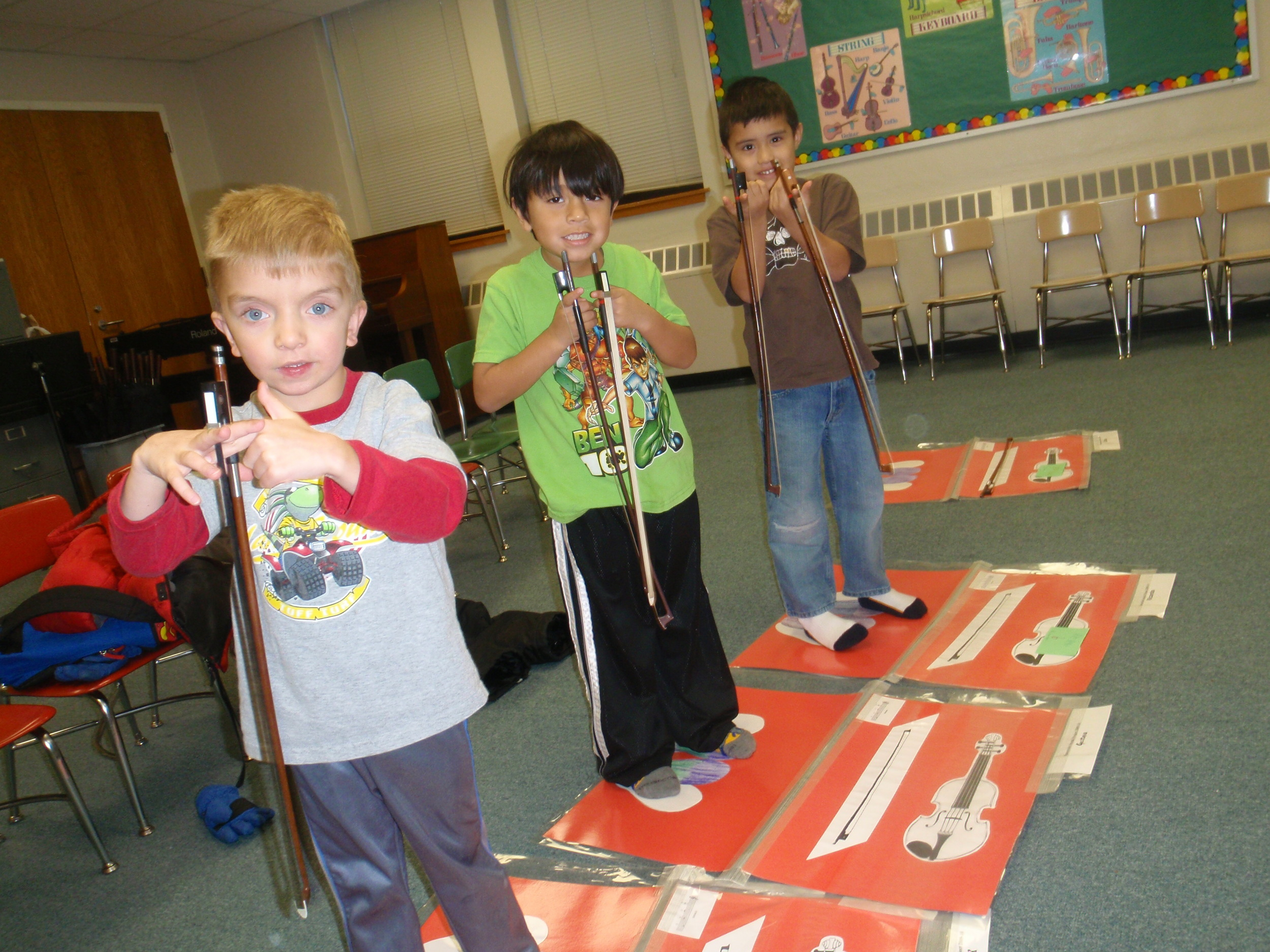 First students in Suzuki Violin Project 2009