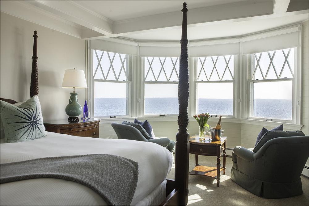 Travel+Photographer+Hotel+Room+Ocean.jpg