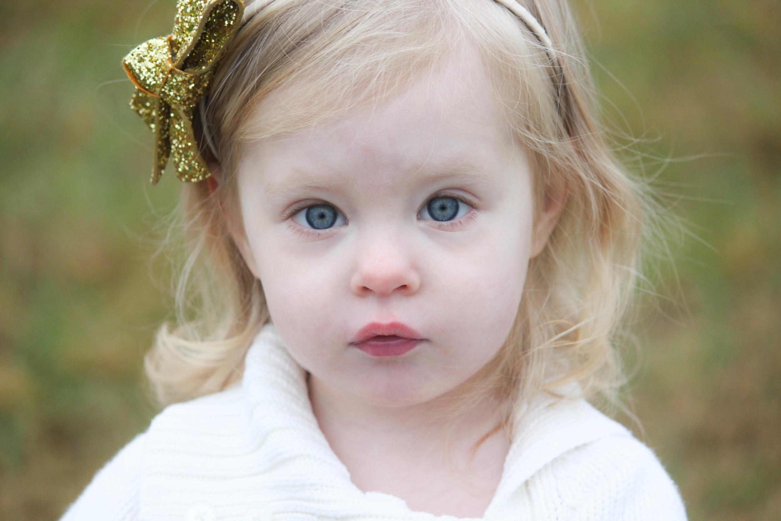 Look at those  eyes !!