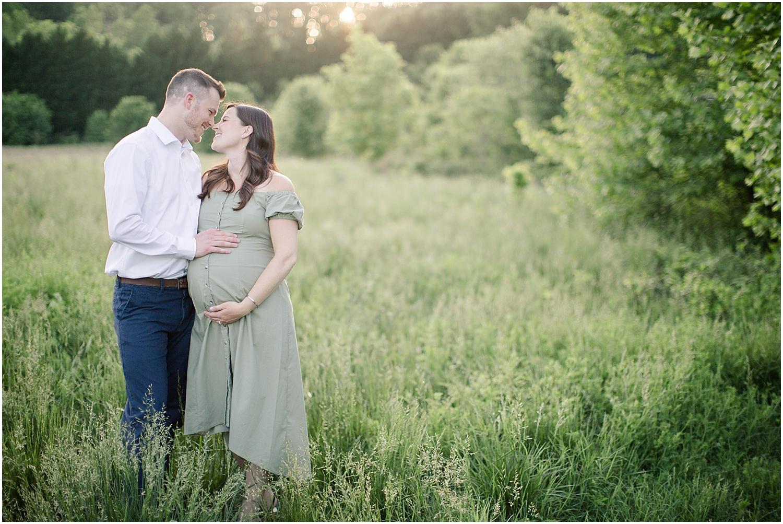 astleigh hill maternity session_0010.jpg