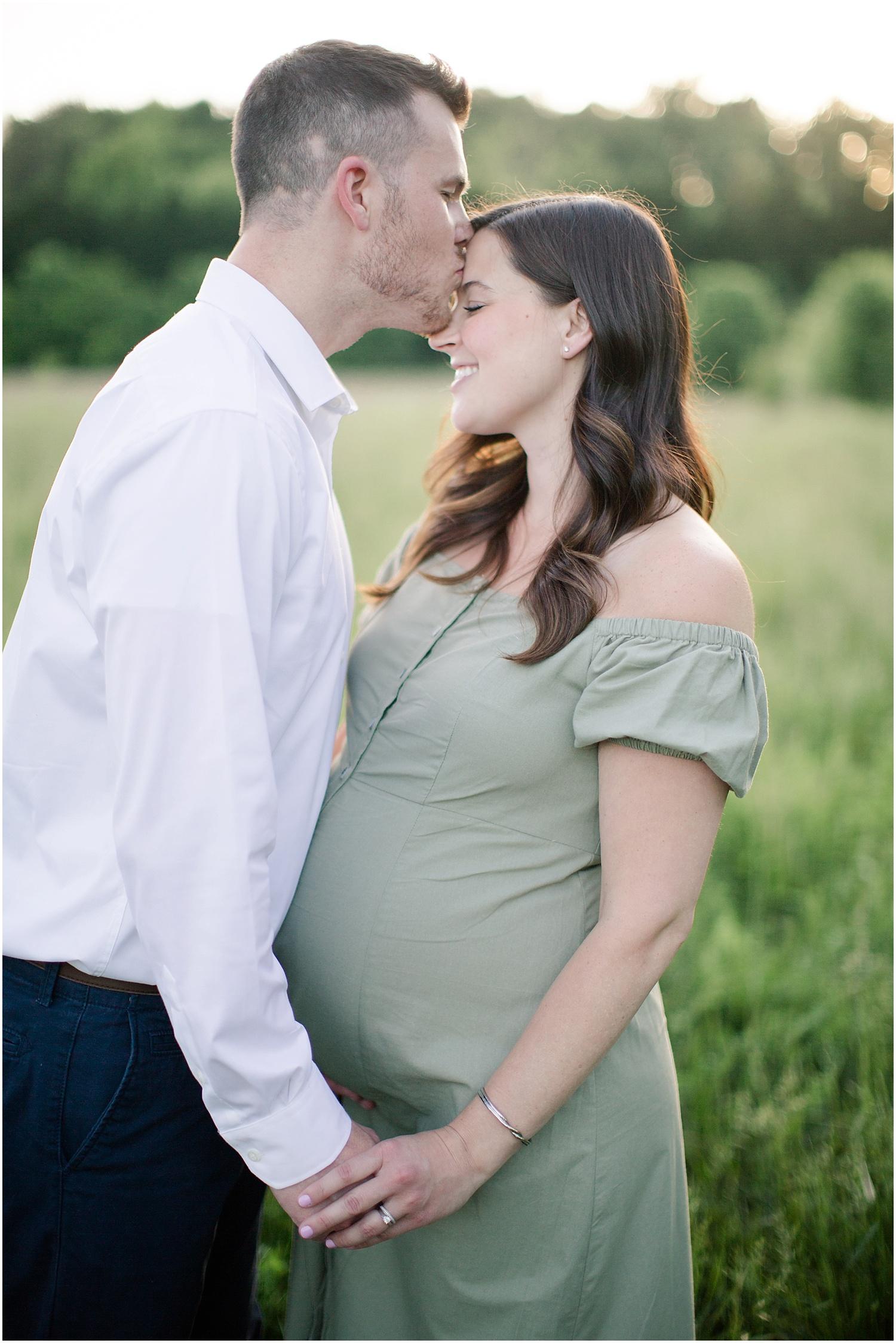 astleigh hill maternity session_0012.jpg