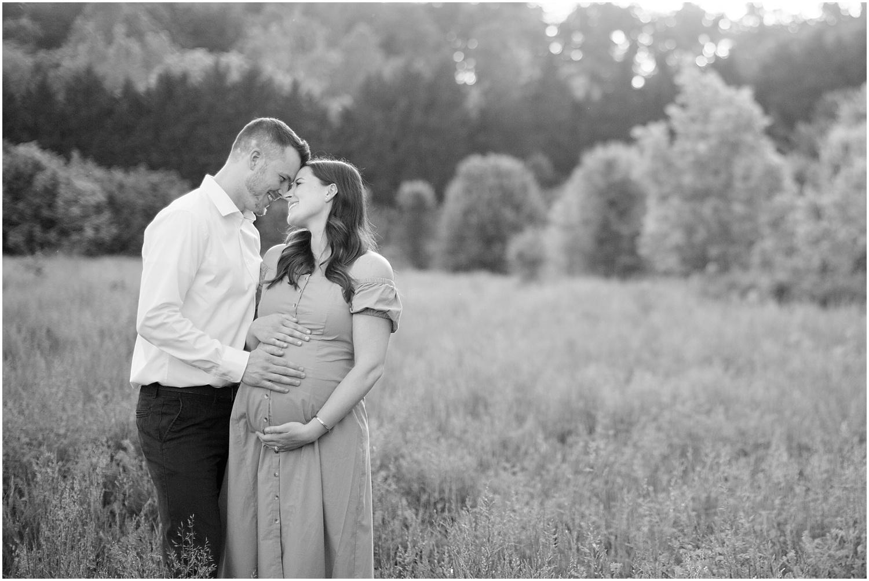 astleigh hill maternity session_0015.jpg