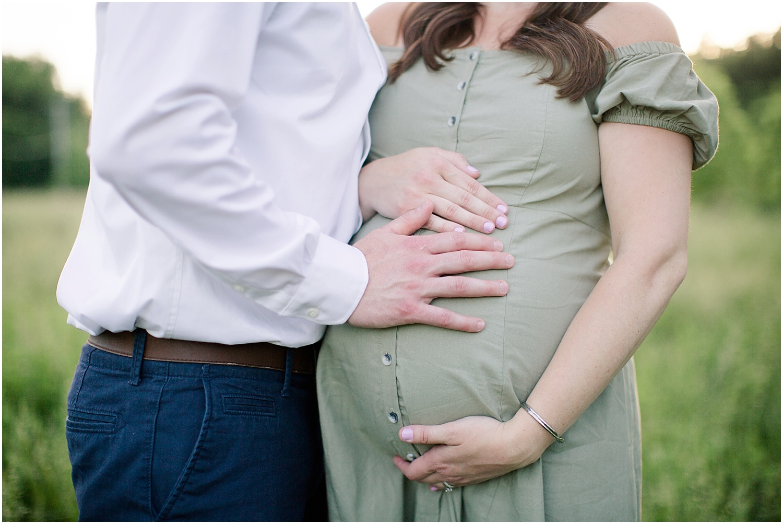 astleigh hill maternity session_0018.jpg
