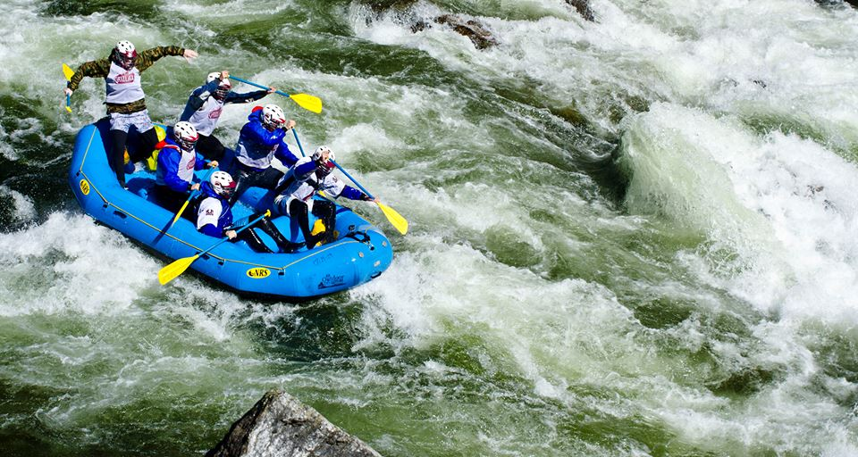 The boys taking their bye-week to raft the Lochsa River