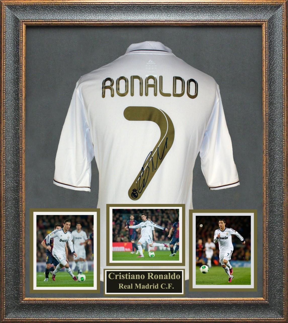 Photo credit: SportsMemorabilia.com: Cristiano Ronaldo, Real Madrid. Olé, Olé, Olé!