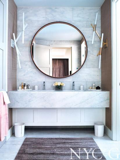 BDDW Mirror. Photo courtesy of NYC&G