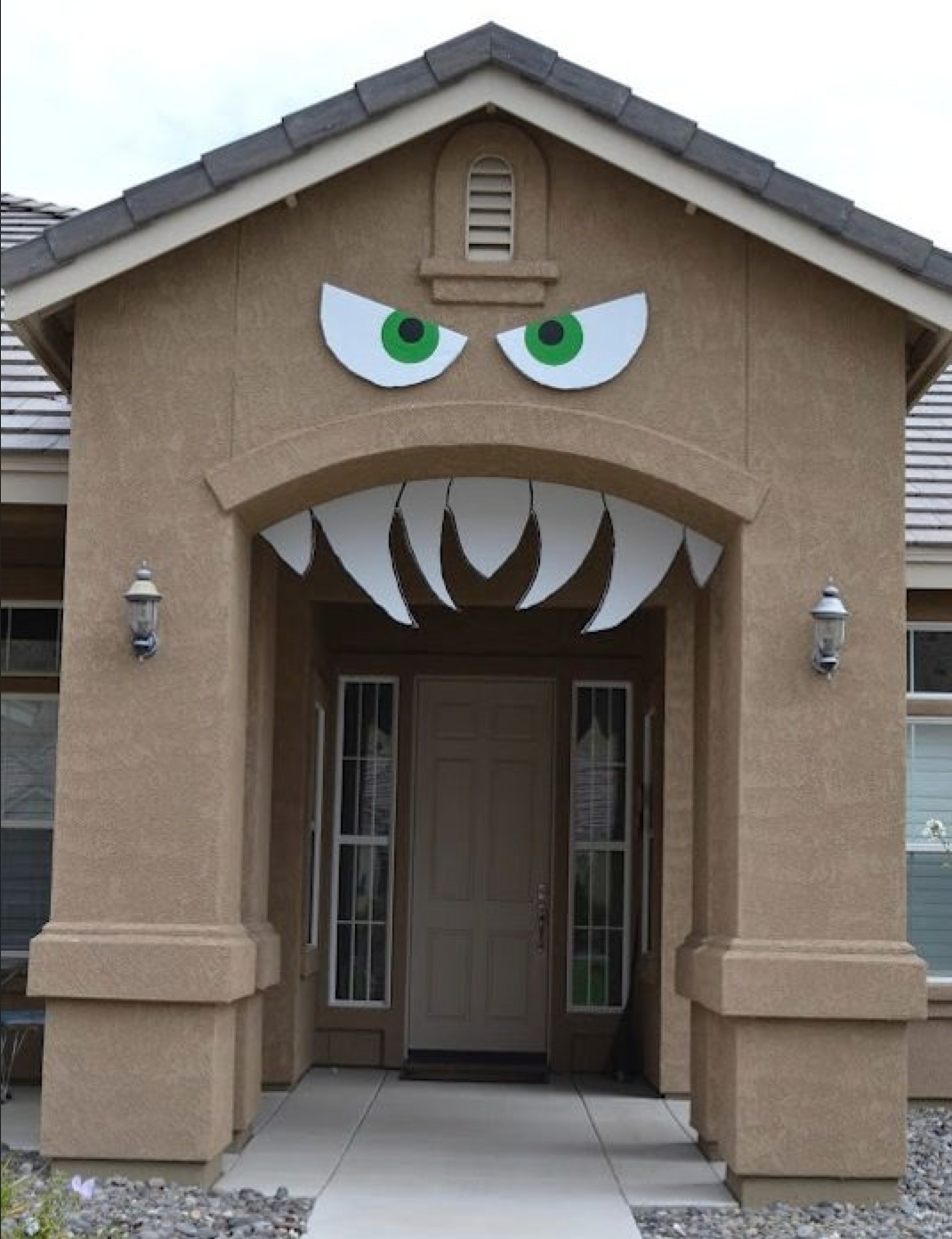 """Thanks to Listotic for this fabulous Halloween idea! Click on the image for the """"how to"""" on this DIY project!"""