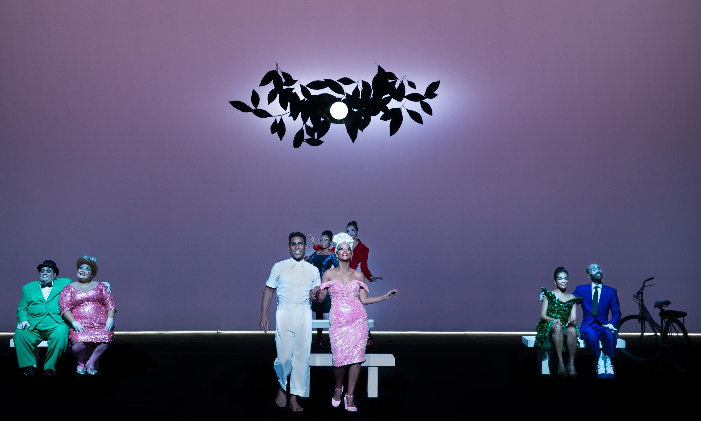 Scene IV C - Bicycles: Jhe Oliveria (Garrincha), Naruna Costa (Elza Soares), Ensemble