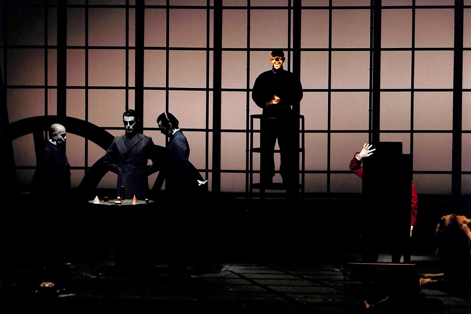 Act II - Simon Newby-Koschwitz, Jezy Milton, Martin Peter (3 Managers), Michel Honesseau (Foreman), Martin Wuttke (Gilgamesh)