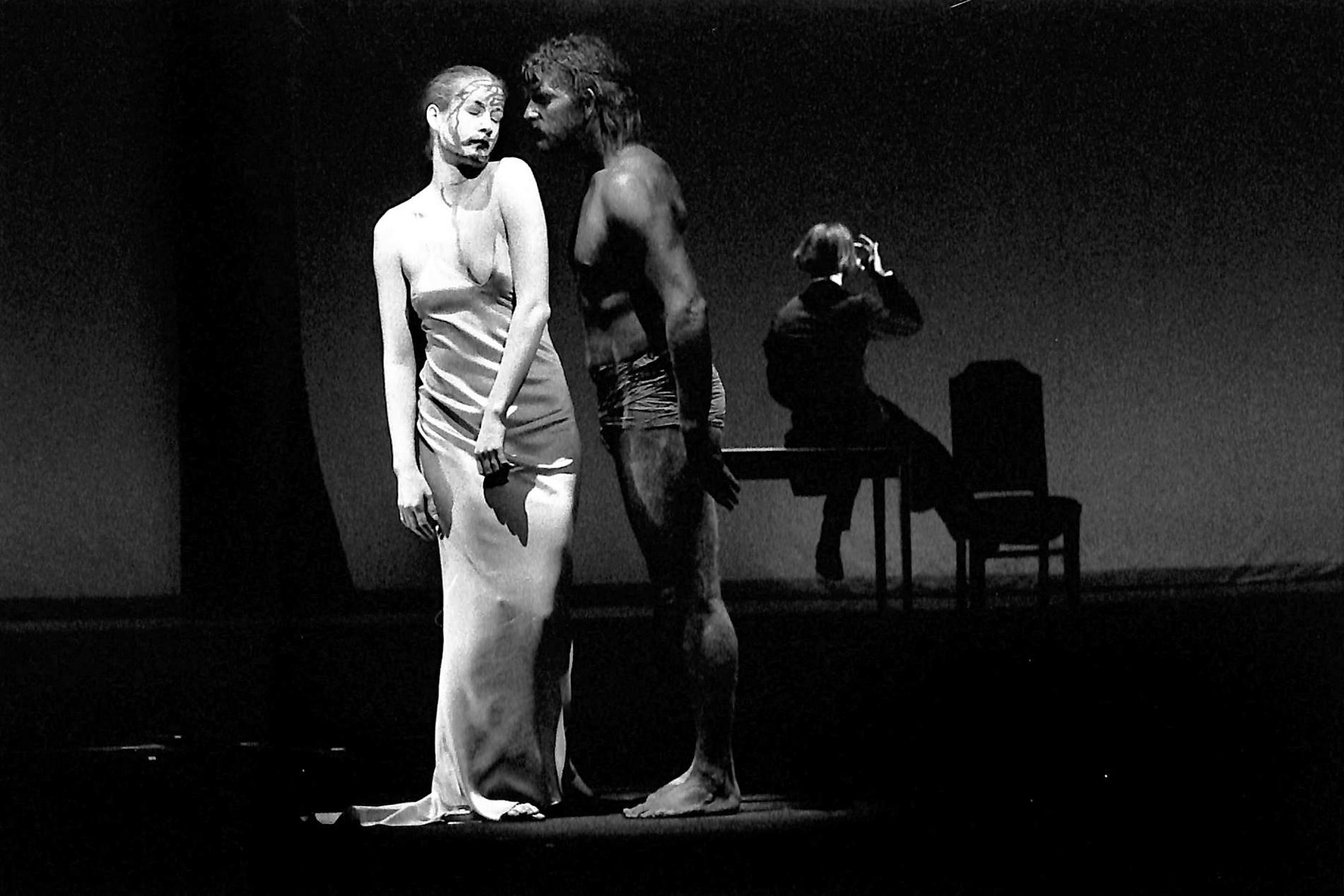 Act IV, Scene 3 - Geno Lechner (Whore), Howie Seago (Enkidu), Martin Wuttke (Gilgamesh)