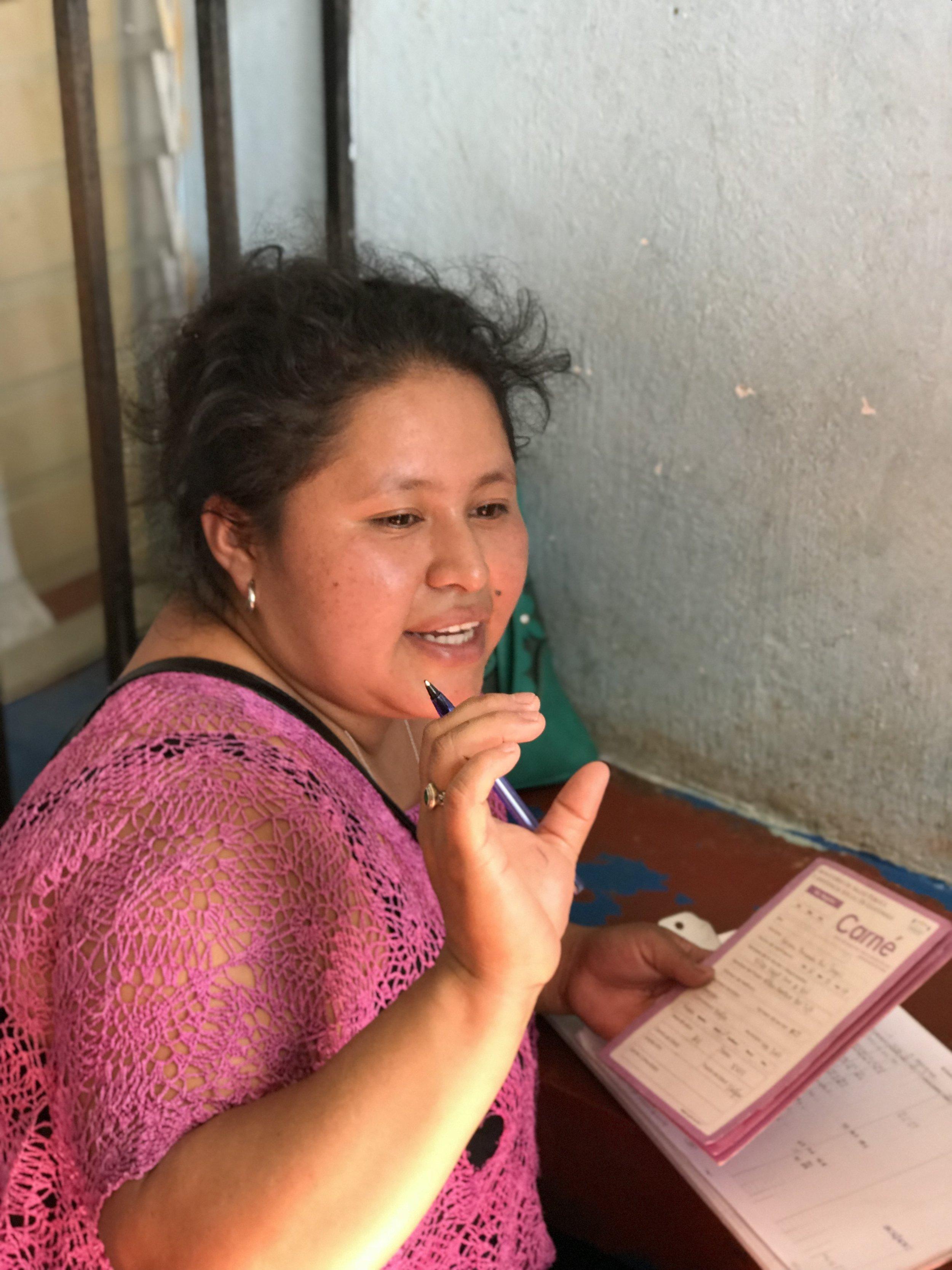 Las familias son la solución a la desnutrición crónica - Optimizamos nuestros productos basándonos en los aprendizajes de Maní+, y en las aportaciones de las familias que viven en las zonas rurales de Guatemala, las ONGs activas en salud y nutrición, así como el Instituto de Nutrición de Centroamérica y Panamá (INCAP).Muchas regiones del área rural de Guatemala son desiertos alimentarios donde la gran mayoría de las familias vive en la pobreza o en la pobreza extrema. Por lo tanto, queremos que todos nuestros productos estén LISTOs para comer, de modo que las mamás no tengan que gastar en leña para cocinarlo o diluirlo el producto (y los micronutrientes) para ahorrarlo.Todos los productos serán muy asequibles y, a medio plazo, accesibles en todas las tiendas del interior del país.
