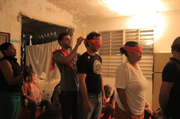 las-nietas-de-nonó,-live-performance-of-ilustraciones-de-la-mecánica,-with-audience-participation,-2015.jpg
