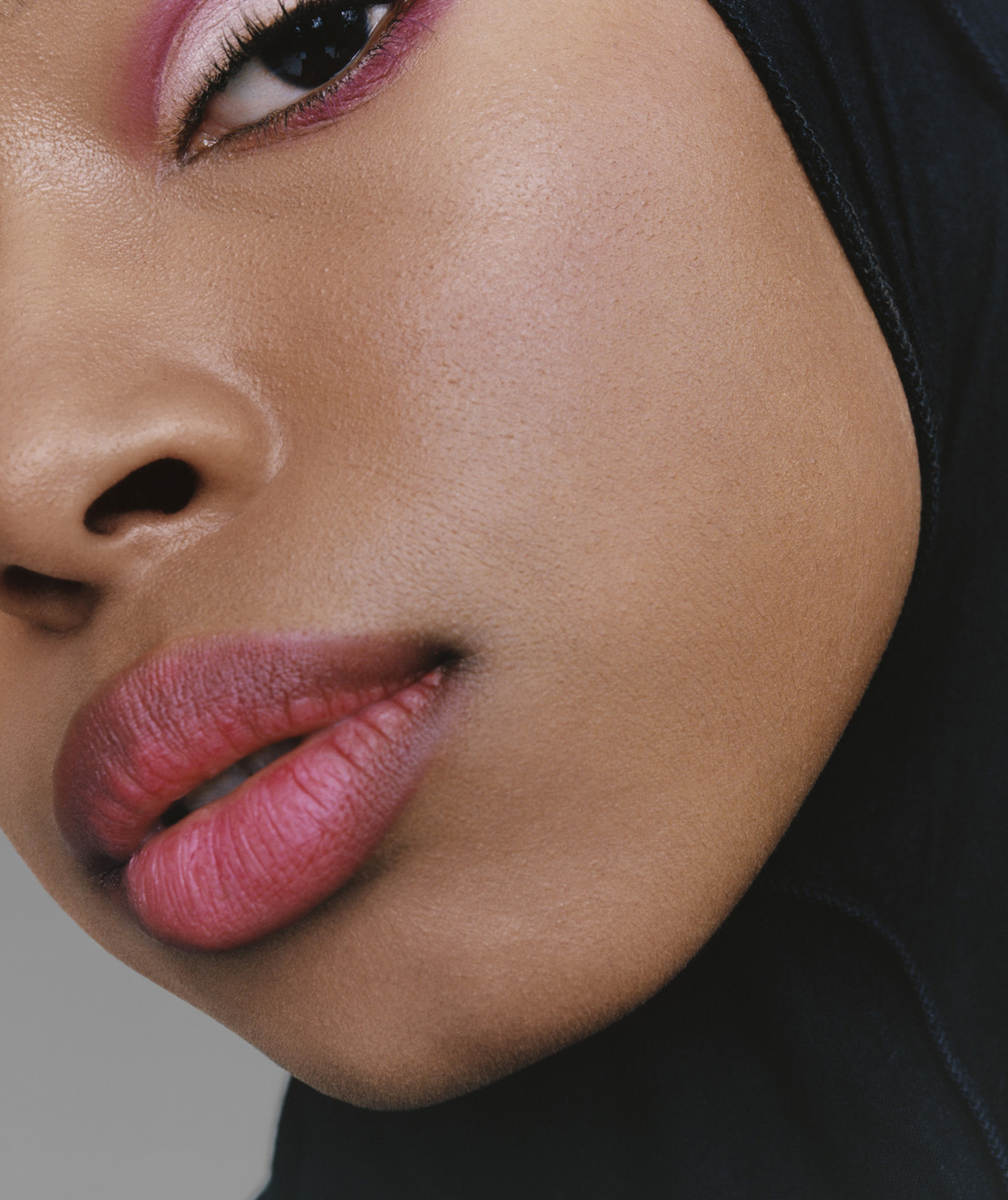 Glossier_GenerationG_Rafiqah_Crush_02_November-2018_CROP.jpg