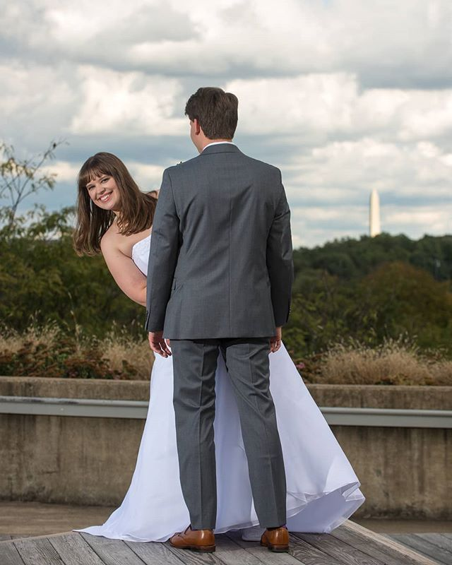 Peek-a-boo! I see you!  #dcweddingphotographer #virginiaweddingphotographer #washingtonmonument #keybridgemarriott