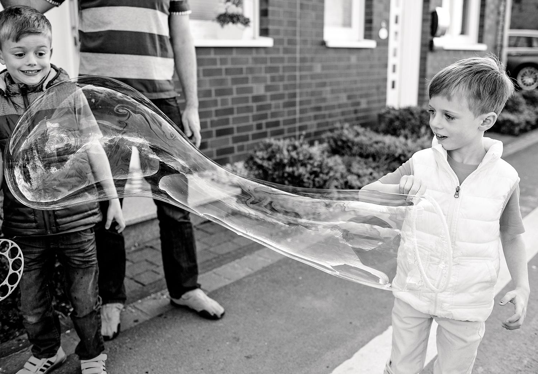 kinderfotos-seifenblasen