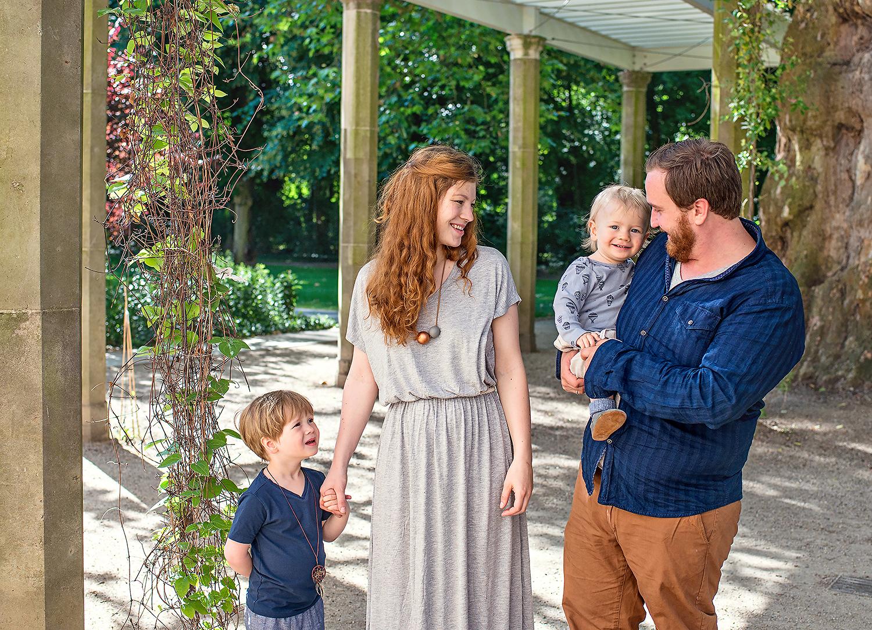 Natürliche Familienfotos im Sommer - Familienshooting in ...