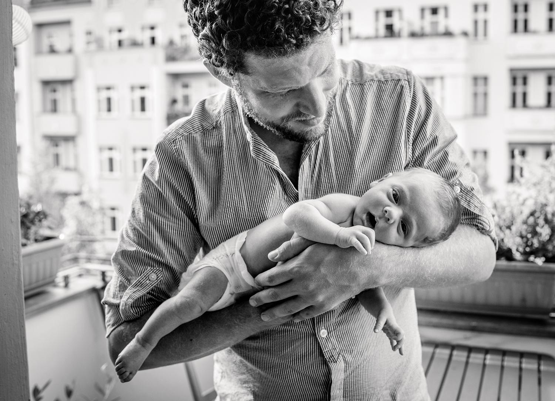 baby-papa-arm