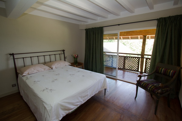 Bedroom balcony III.jpg