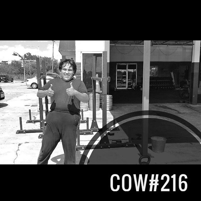 COW#216(watch Juan's effort!) ••• This is Juan. Juan is new to TCS. He's about 10 sessions in at this point and he has already proven himself to be a major value add to our community. ••• He works hard. He's coachable. He supports others in class. And he's always smiling. ••• After checking out this week's #COW, please be sure to watch Juan's demo of the superset I have for y'all. I want y'all to approach each set with the energy and focus that he shows. Do that, and you're going to have one helluva workout. ••• EMOMx10: - Dual KB Farmers Carry *50' down, 50' back @ HEAVY! - Shuttle Sprint @ AFAP *25' out & back, 50' out & back ••• Questions? Drop them below. Otherwise, enjoy! . . . . . . . #tcs #traviscountystrength #LIFT #LIFT4women #strengthtraining #strengthandconditioning #strongman #gym #squats #austin #atx #simplenoteasy #leadfromthefront #totallysatisfied