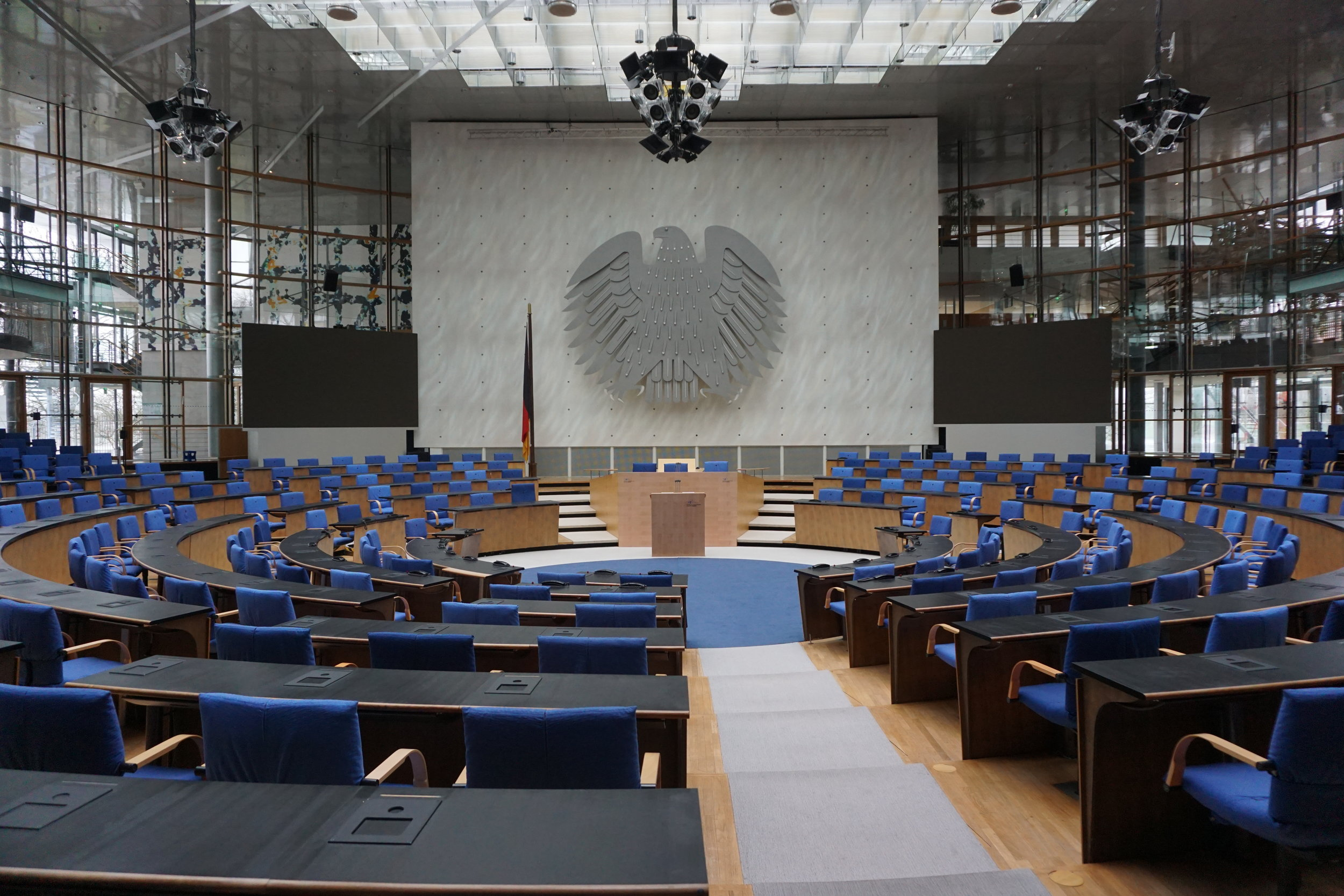 PLENARGEBÄUDE – ALTER BUNDESTAG in Bonn