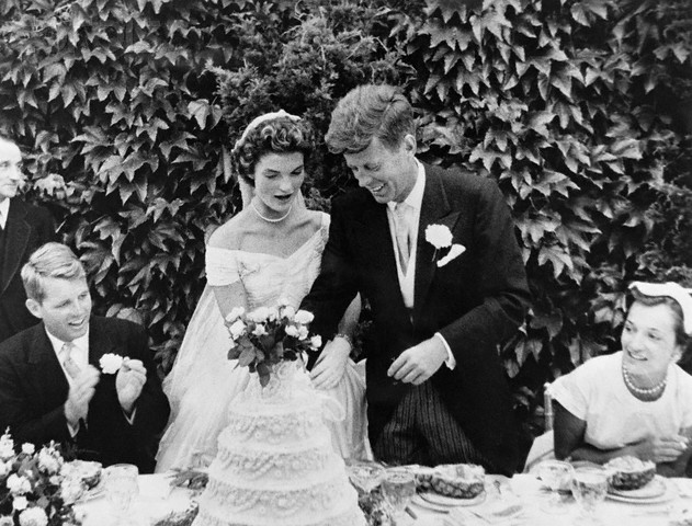 Jackie-kennedy-wedding-ring-3.jpg