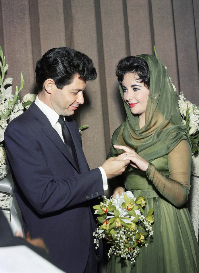 o-ELIZABETH-TAYLOR-WEDDING-900.jpg