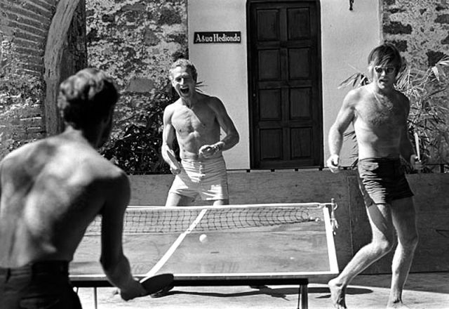 Settle the the bill with a game of ping pong, if you must. (L-R: Paul Newman & Robert Redford)