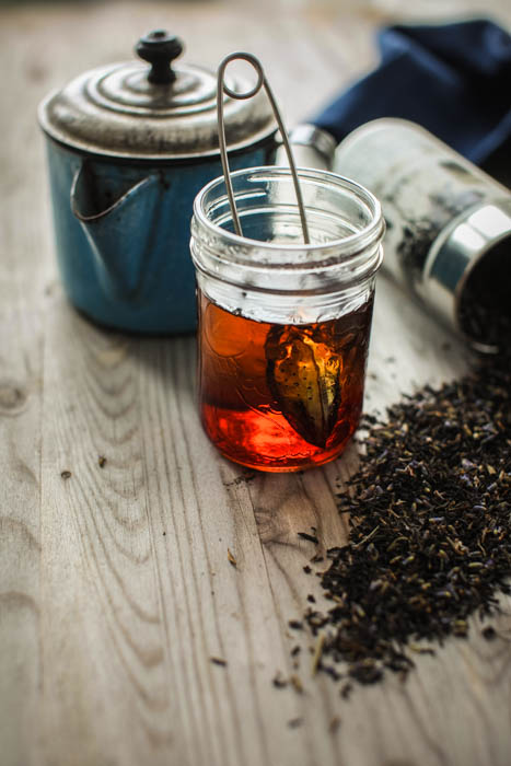 Thé dans pot mason // Brewed tea in a mason jar