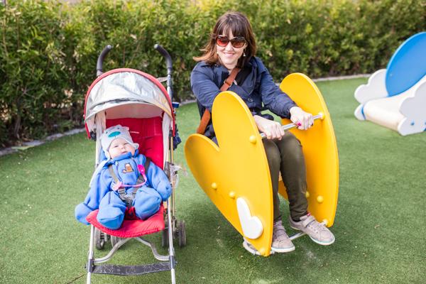 Playground stop on our first day in Malaga. Une petite pause au parc lors de notre première journée à Malaga.