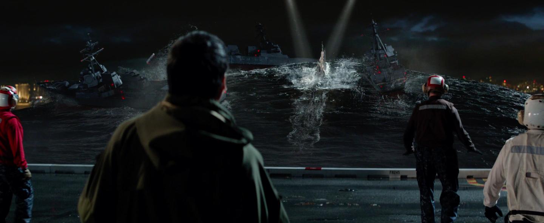 Fotograma final, Godzilla emergiendo del agua.