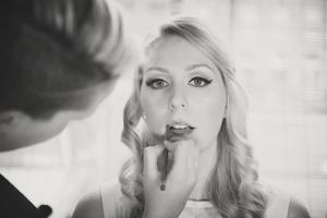 Weddings by KARA Make Up Tutorial Vintage Look 08.jpg