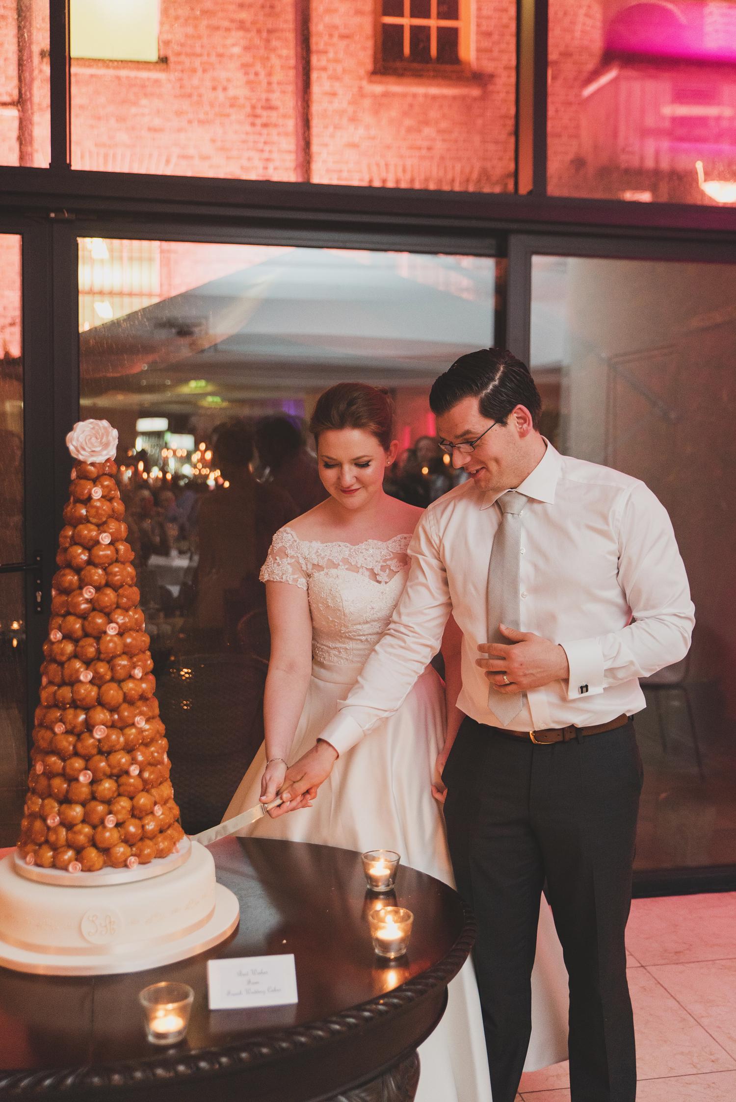 Wedding-in-Dublin-City-Centre-Morrison-Hotel-Wedding-Photography-Dublin-Stylish-City-Wedding283.jpg