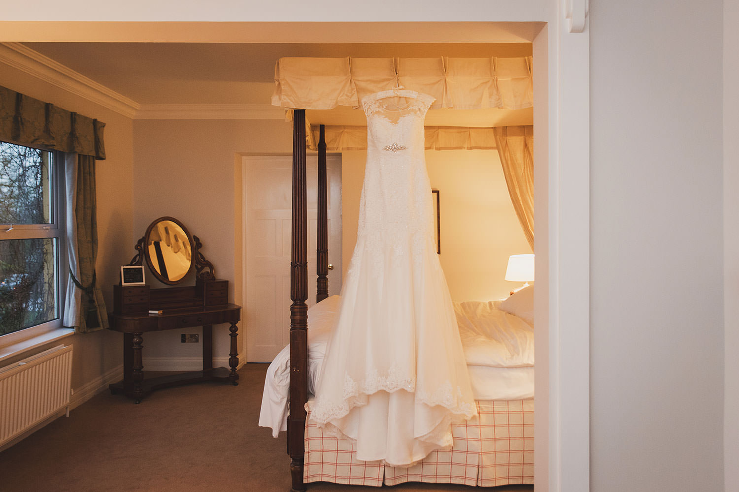 dunraven-arms-hotel-wedding-photography-002.jpg