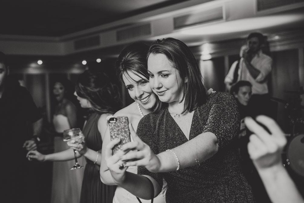 wedding-photographers-radisson-blu-st-helens-dublin-142.jpg