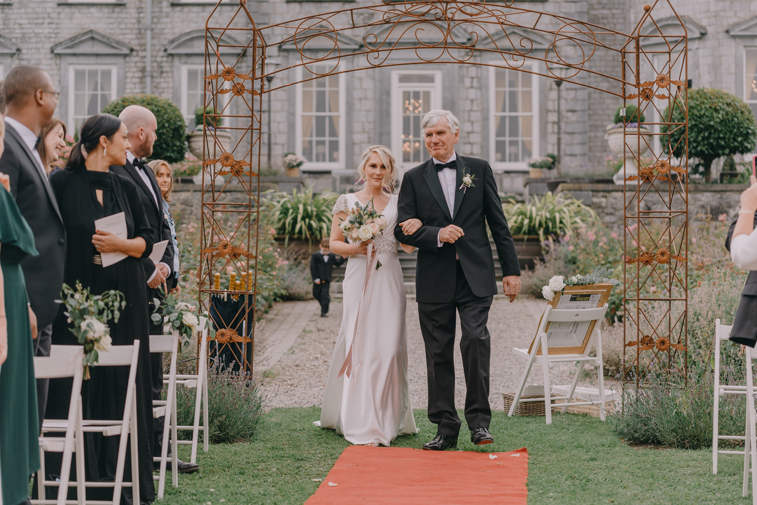 destination-wedding-photographers-castle-durrow-ireland097.jpg