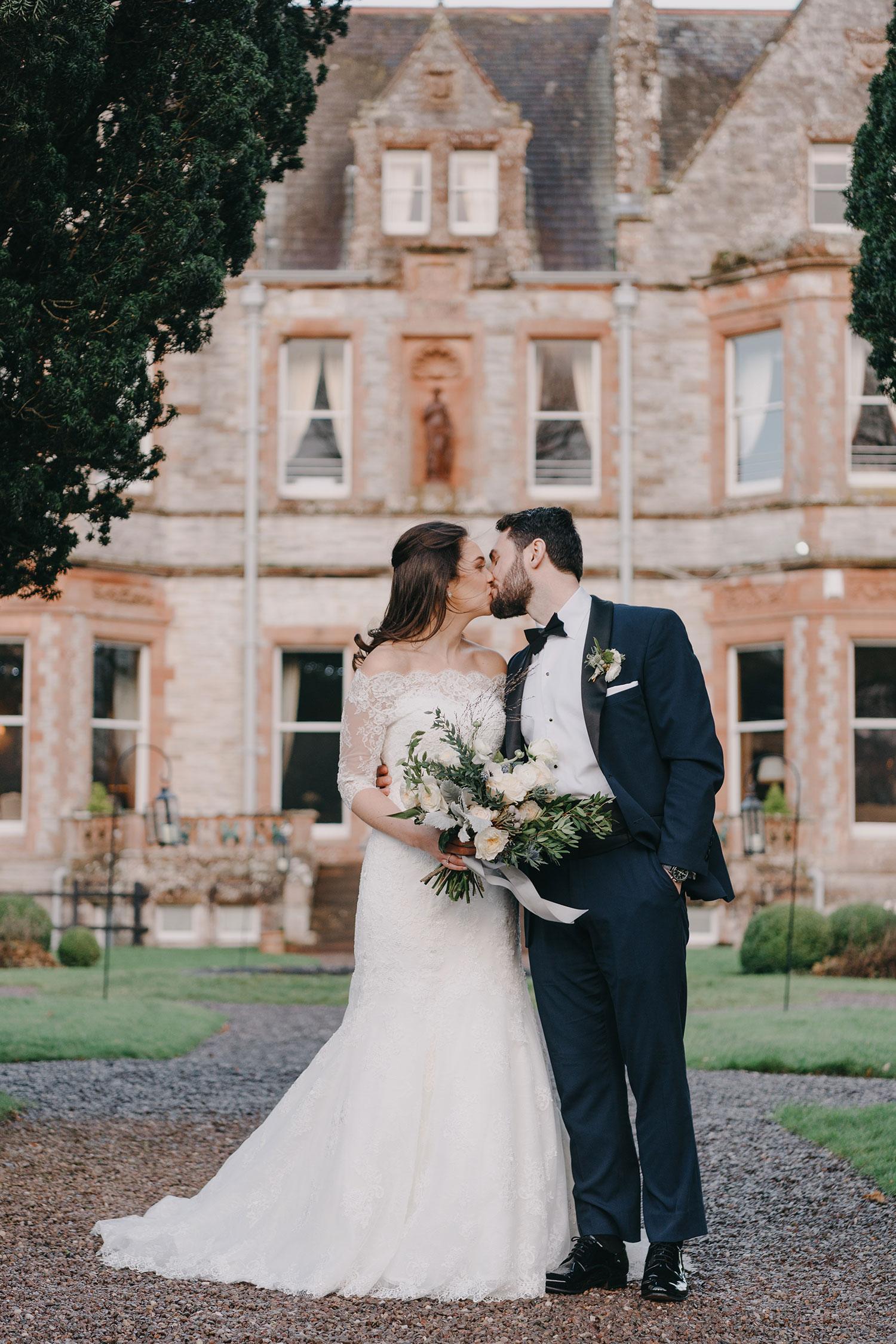 castle-leslie-wedding-photographer-ireland-069.jpg